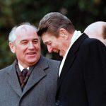 Gorbachev-Ronald-Reagan